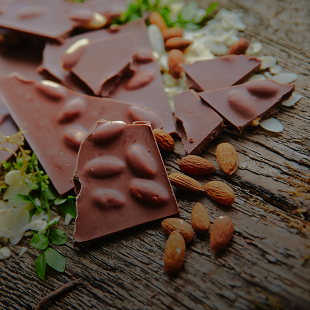 Milk Chocolate / Almonds